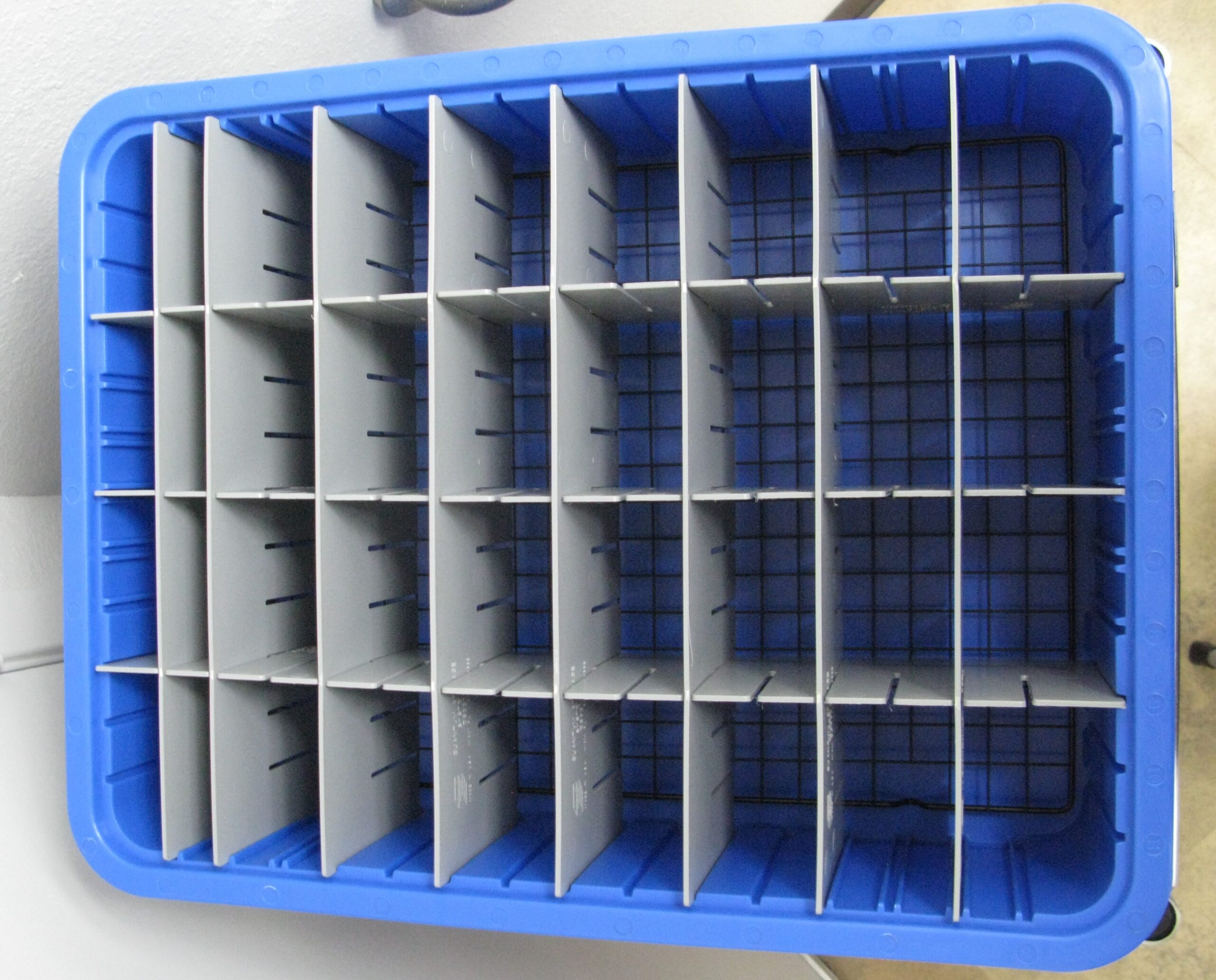 Transmitter drawer w/dividers bottom wire rack will hold minimum 32 Transmitters depending on size.